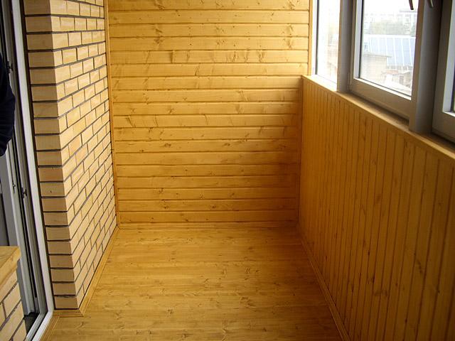 Покрасить стены балкона внутри..