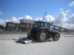 Трамбовщик SBV 55 H3Z на трактора с отдельным гидравлическим агрегатом 25 KW.