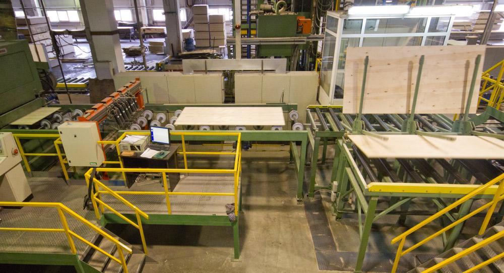 Завод по производству бакелизированной фанеры в Москве