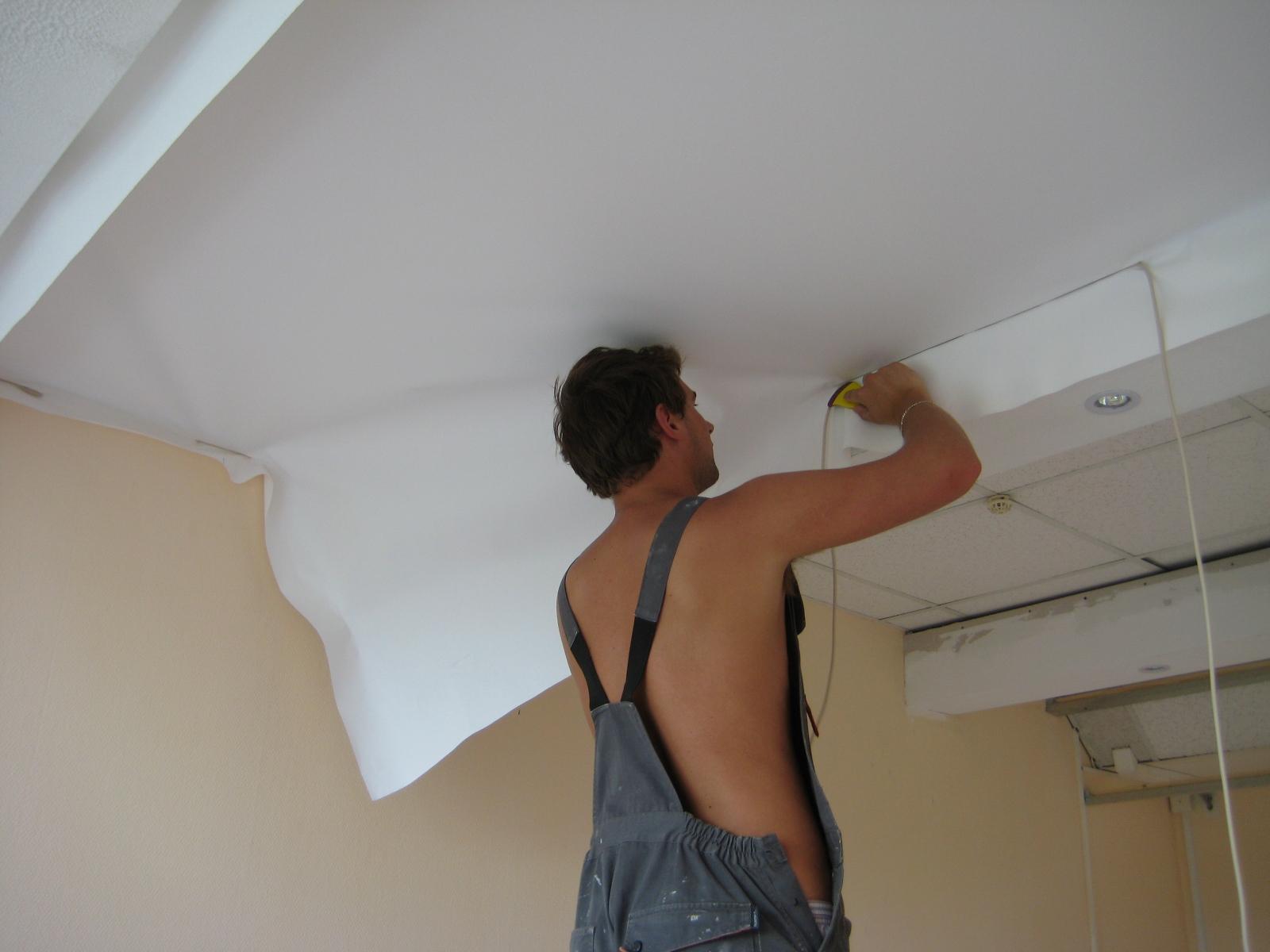 Особенности ремонта потолка в квартире