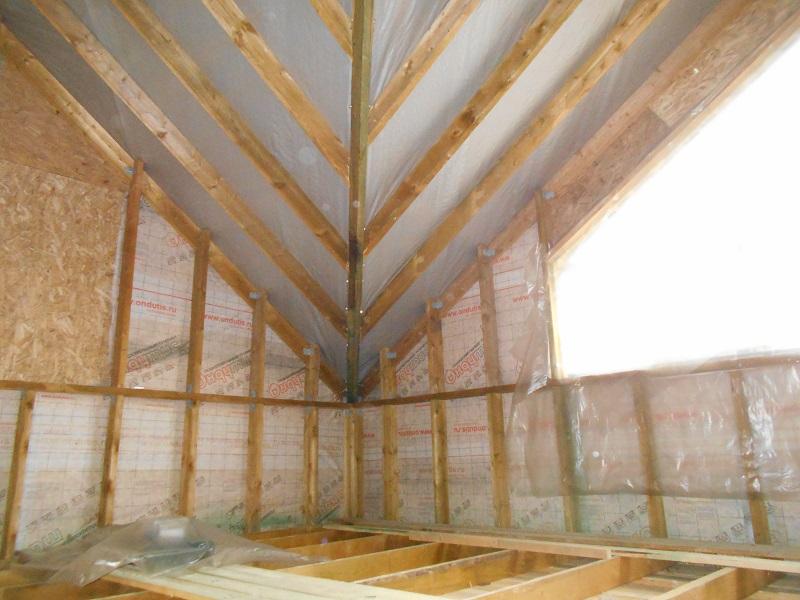 Для того, что бы просчитать количество материалов на большую крыши, лучше всего обратится к опытным мастерам.