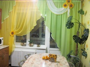 Очень красивые шторы на кухню фото