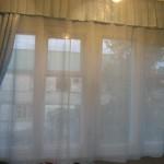 Белые шторы на кухню фото
