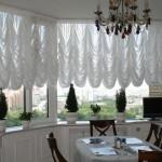 Белые тюлевые шторы на кухню фото