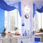 Синие шторы на кухню фото