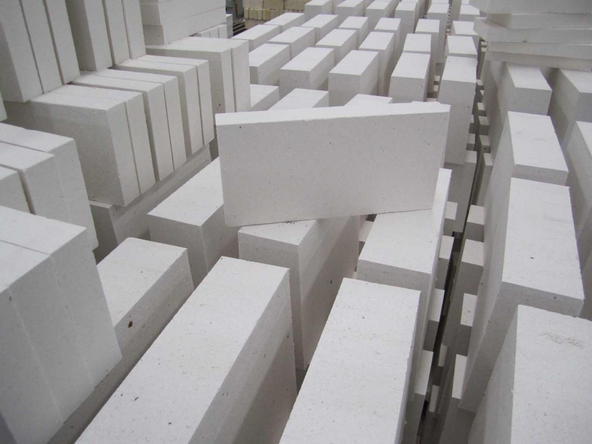 С помощью плотности кирпича можно достичь максимальной теплоизоляции помещения