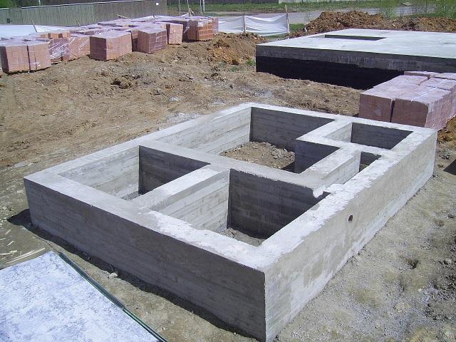 Литой бетонный фундамент