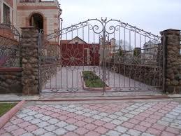 Сварные металлические решетки и ограды