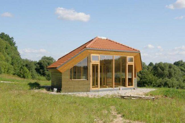 Светлый каркасный дом
