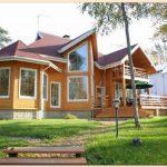 Каркасный дом с мансардой и балконом