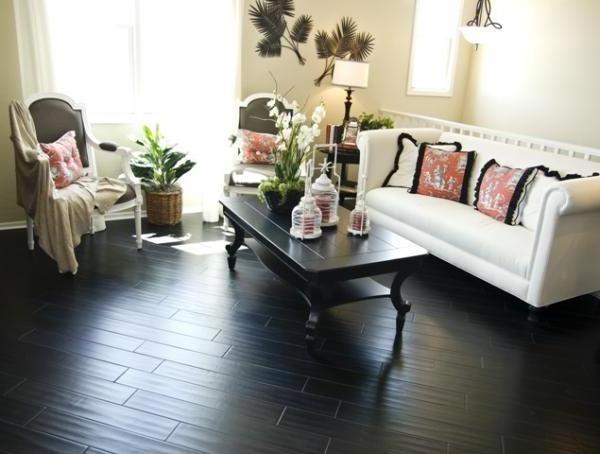 темный ламинат светлая мебель