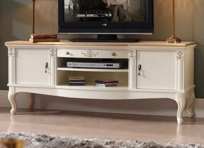 тумба под телевизор в стиле ретро