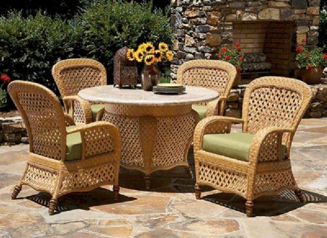 плетеная мебель для дачи пример
